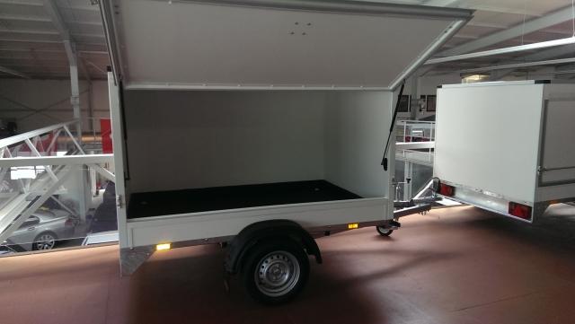 Humbaur Anhänger Mit Kofferaufbau Lenz Anhänger Center